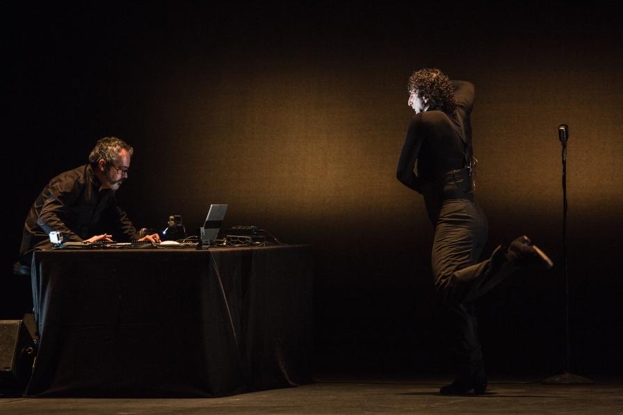 Ángel Muñoz: Claroscuro. Kuvassa Artomático ja Ángel Muñoz. Kuva Javier Fergo.